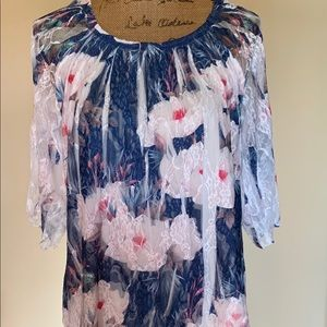 Lovely petite blouse-NWT!